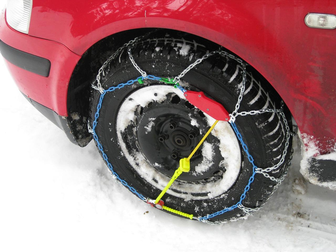 Lazio: ecco l'elenco delle strade dove vige l'obbligo di pneumatici invernali o catene a bordo - Trasporti-Italia.com